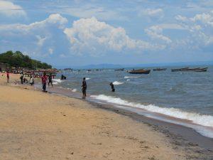 Reis naar Malawi waarbij je vrijwilligerswerk of een stage kan doen en tegelijkertijd geniet van de prachtige natuur (waaronder dit heerlijke meer) en cultuur van Malawi.