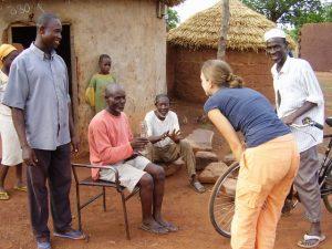 voorbereiding vrijwilligerswerk buitenland; weet hebben van de lokale gebruiken is essentieel. Ontmoet Afrika biedt een uitgebreide voorbereidingstraining.