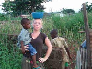 Ervaringen vrijwilligerswerk afrika; meewerken en leven met een gezin in Afrika tijdens je vrijwilligerswerk periode.